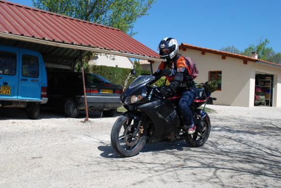 MOI JE PARS EN 50 cc POUR 173 KM ALLER